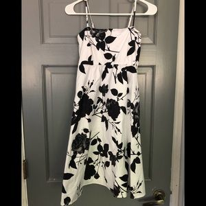 Jessica Simpson Maternity Dress sz.Small
